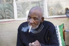 Rayakan Ulang Tahun, Kakek 116 Tahun Mengeluh Tidak Bisa Beli Rokok