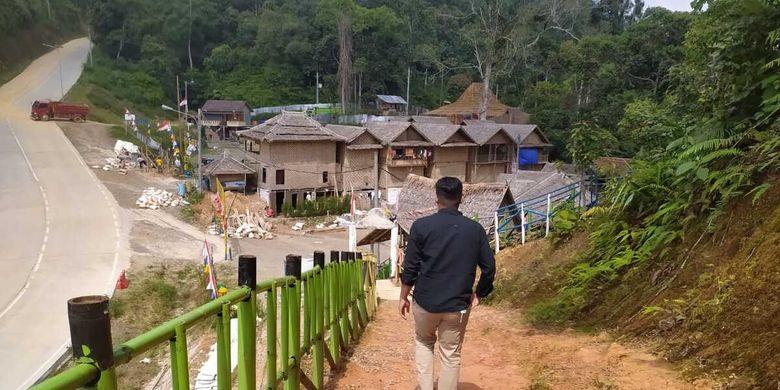 Kondisi terkini Obyek wisata negeri di atas awan Gunung Luhur, Lebak, Banten. Sejak viral pada akhir 2019 lalu, ada sejumlah perubahan di Gunung Luhur, seperti muncul banyak homestay yang dikelola oleh warga setempat.