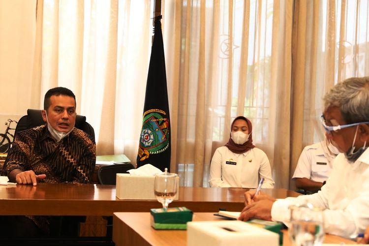 Wakil Gubernur Sumut Musa Rajekshah memimpin rapat solusi penanganan limbah perairan Danau Toba, Kamis (17/9/2020)