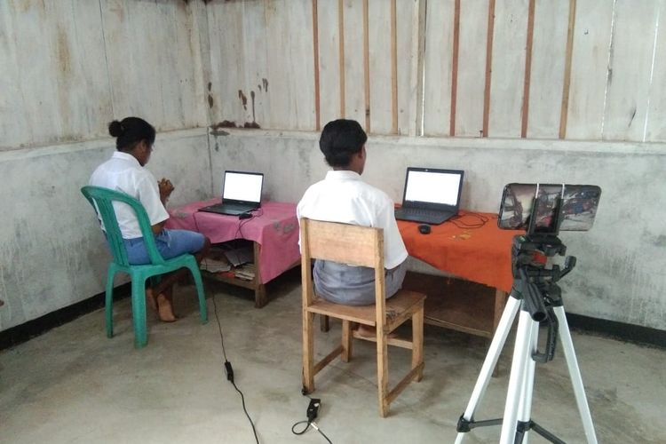 Pelaksanaan KSN 2021 tingkat provinsi di SMAN Marau Papua. Kemendikbud Ristek melalui Pusat Prestasi Nasional (Puspresnas) kembali menggelar Kompetisi Sains Nasional (KSN) tingkat provinsi. Untuk jenjang SMA, KSN 2021 dilaksanakan secara daring, mulai dari tanggal 13 hingga 16 September 2021.
