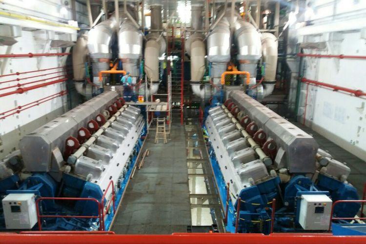 Ruangan Mesin Kapal Listrik asal Turki yang bernama Karadeniz Powership Gokhan Bey yang mensuplai daya 60 MW untuk Kota Kupang dan kabupaten lainnya di Daratan Timor