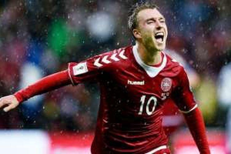 Aksi selebrasi gol Christian Eriksen untuk Denmark selepas menjebol gawang Armenia dalam laga Kualifikasi Piala Dunia 2018 di Copenhagen, Minggu (4/9/2016).