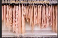 Khloe Kardashian Pamer Kamar Penuh Koleksi Rambut Palsu