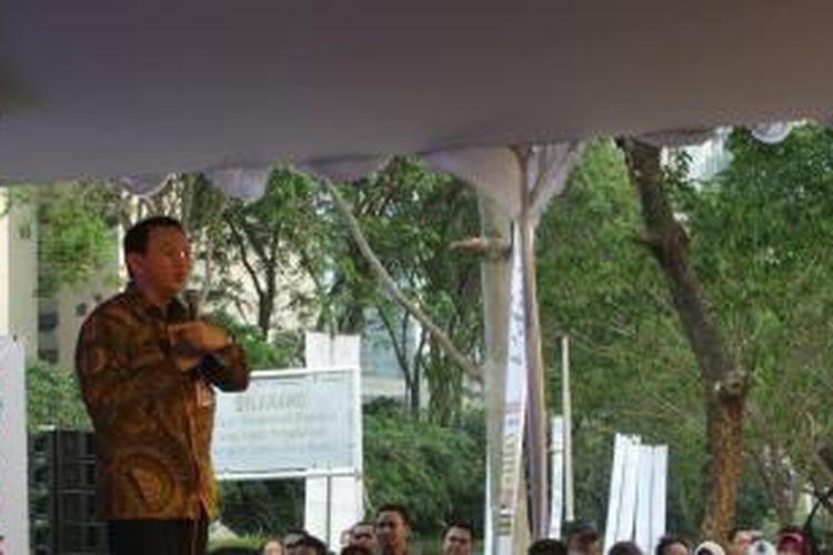 Gubernur DKI Jakarta Basuki Tjahaja Purnama geram saat membuka Jakarta Book and Edu Fair 2015, di Parkir Timur Senayan, Jakarta, Senin (27/7/2015).