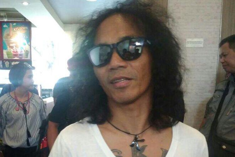 Kaka Slank hadir dalam sebuah di KFC Kemang, Jakarta Selatan, Selasa (8/5/2018).