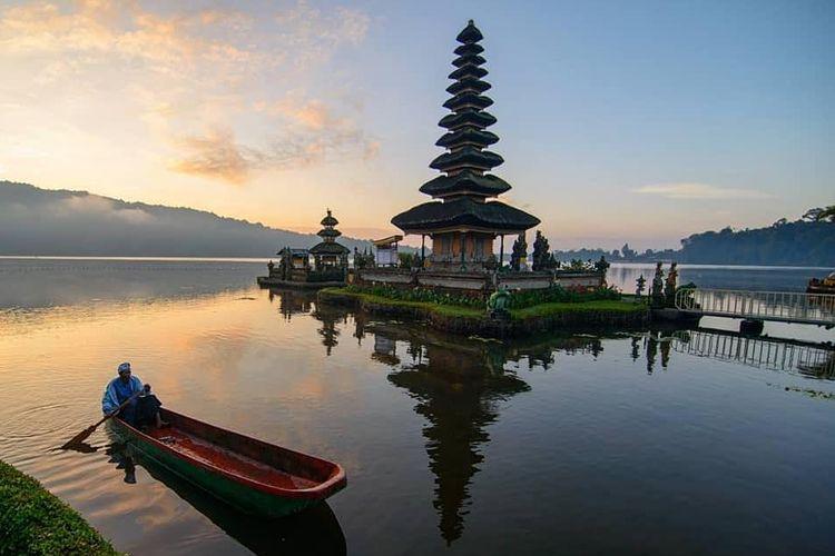 A lakeside temple in Bali