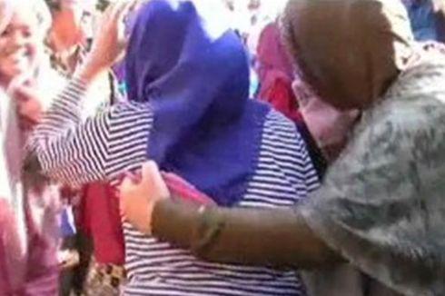 Sakit karena Depresi, Calon Anggota Jemaah Haji Diantar ke Asrama dengan Ambulans