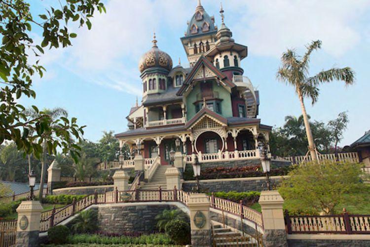 Wahana Mystic Manor di Hongkong Disneyland