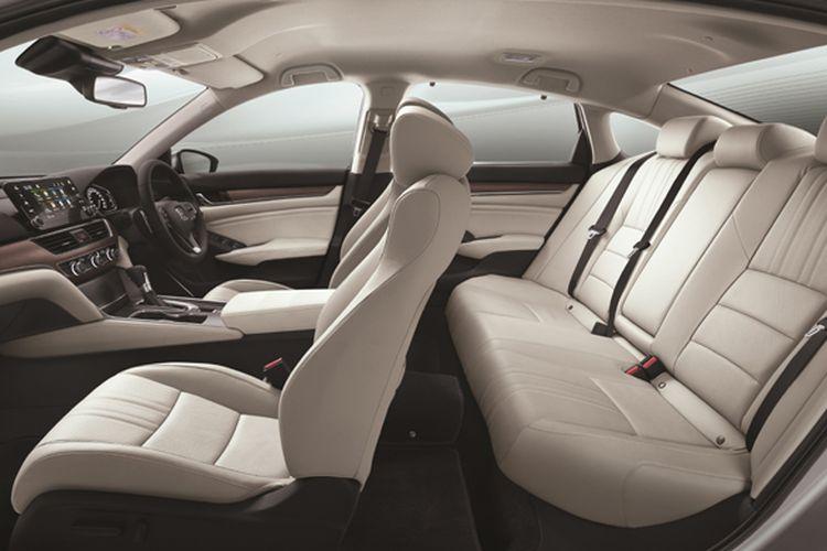 Kelegaan dan kenyamanan berada di kabin Honda Accord mencerminkan khas sedan mewah