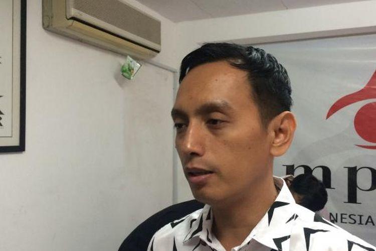 Direktur Eksekutif Imparsial, Al Araf dalam konferensi pers di Kantor Imparsial, Jakarta, Senin (5/12/2016).