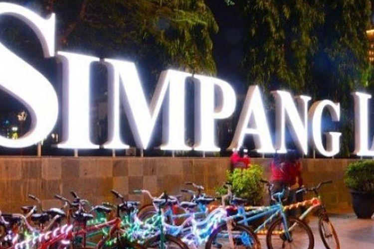 Simpang Lima Semarang.