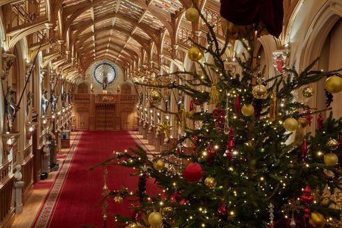 Pohon Natal 6,1 Meter Temani Ratu Elizabeth II dan Pangeran Philip di Windsor Castle
