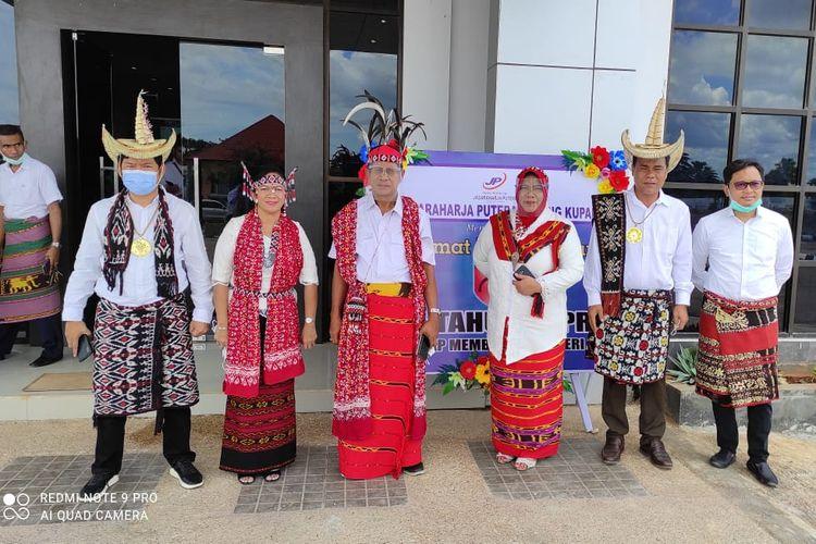 Para pejabat dan staf Balai Pelaksanaan Jalan Nasional (BPJN) Nusa Tenggara Timur (NTT) ikut merayakan peringatan Hari Bhakti ke-75 PUPR secara virtual di Kupang, Kamis (3/12/2020).
