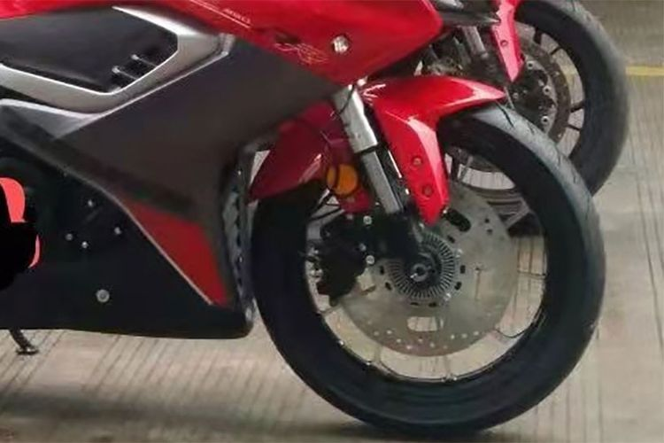 Motor sport 250 cc buatan QJMotor mirip Ducati Panigale