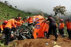 Bangkai Helikopter Basarnas Diangkut ke Jakarta dengan Dua Truk