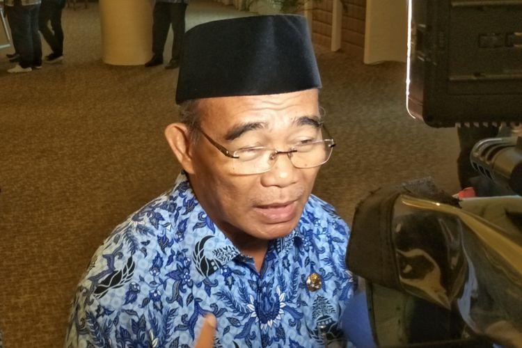 Menteri Pendidikan dan Kebudayaan Muhadjir Effendy saat ditemui di Kemenko PMK, Jakarta Pusat, Rabu (29/11/2017).
