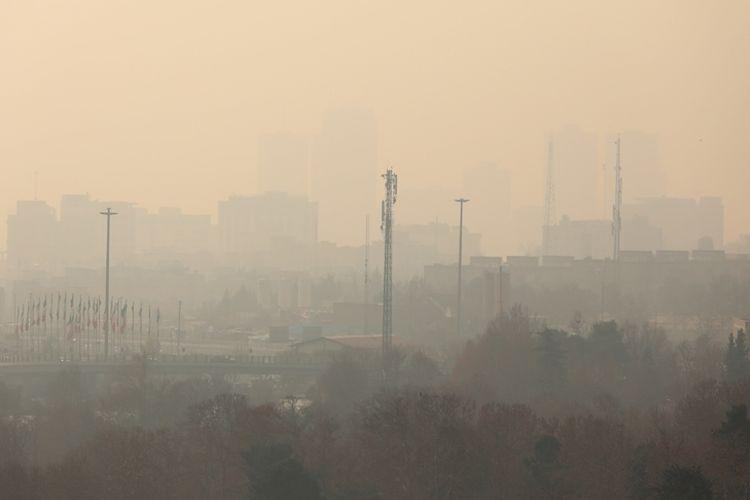 Kabut asap tebal menyelimuti ibu kota Iran, Teheran, Rabu (20/12/2017) menyebabkan pemerintah memutuskan meliburkan sekolah-sekolah.