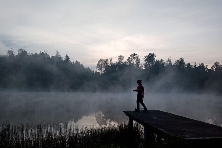 Pesona Ranu Regulo di pagi hari sebelum matahari terbit, Sabtu (7/4/2018).