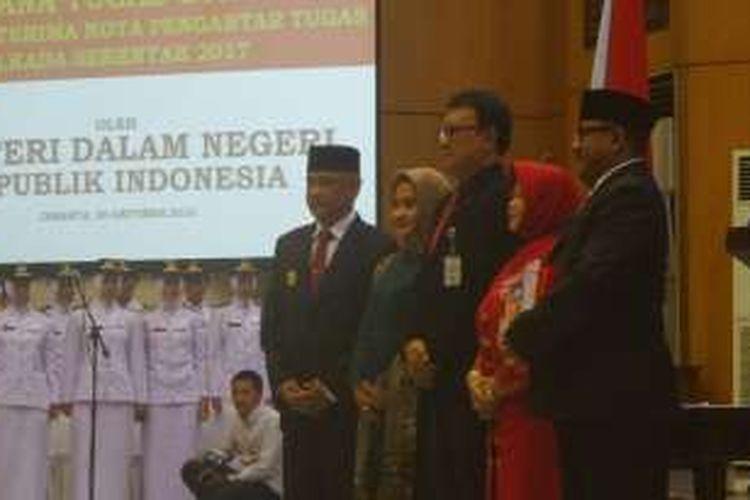 Mendagri Tjahjo Kumolo melantik Dirjen Bina Pemerintahan Daerah Nata Irawan sebagai Plt gubernur Banten. Hal ini karena Gubernur Banten Rano Karno akan memasuki cuti kampanye.