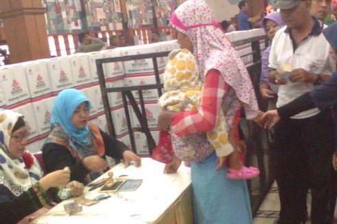 Semen Indonesia Distribusikan 35.700 Paket Bahan Pokok Senilai Rp 5,3 Miliar