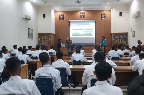 Tepis Keraguan, SMKN 12 Bandung Hasilkan Lulusan Langsung Kerja