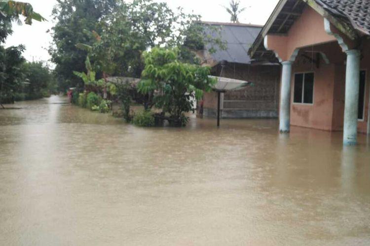 Banjir merendam ribuan rumah di Kabupaten Pandeglang, Banten, Jumat (29/1/2021)