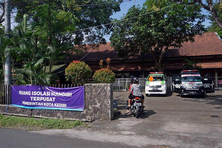 Isolasi mandiri terpusat yang disediakan Pemkot Kediri, Jawa Timur, untuk warga yang tidak bisa isoman di rumah.