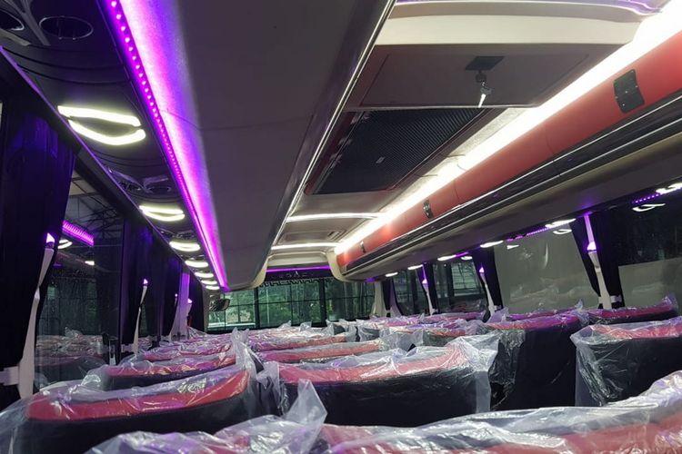Lampu tidur di kabin bus
