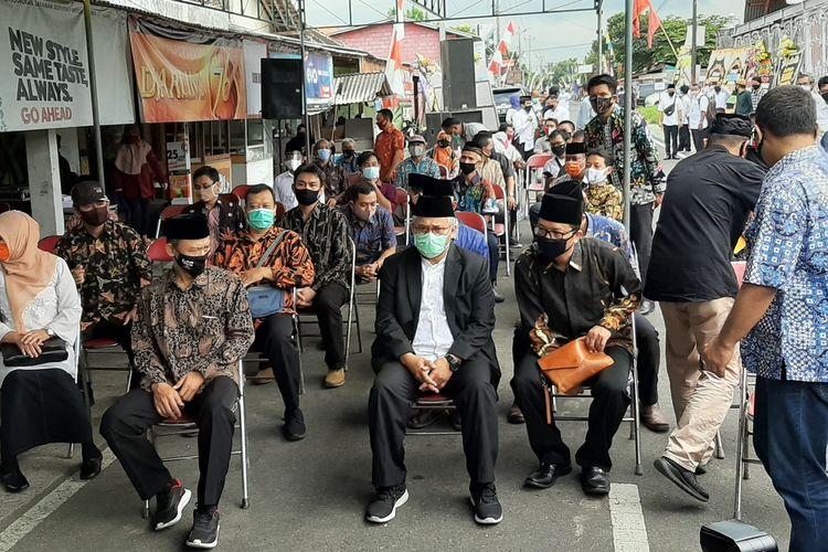 Ketua KPU RI Arief Budiman saat berada di rumah duka Henry Jovinski di Rewulu Wetan, Sidokarto, Godean, Sleman.