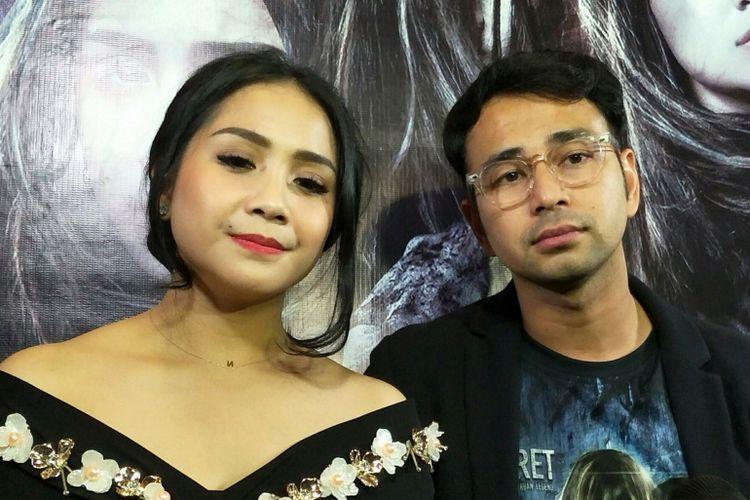 Raffi Ahmad dan Nagita Slavina dalam gala premiere film The Secret: Suster Ngesot Urband Legend di XXI Epicentrum, Rasuna Said, Jakarta Selatan, Selasa (24/4/2018).
