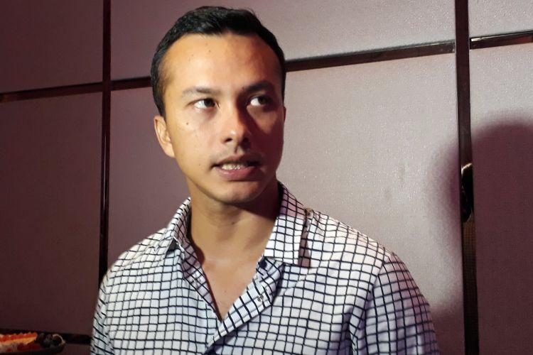 Nicholas Saputra diabadikan saat dijumpai di Hotel Fairmont, Jakarta, Senin (12/6/2017).