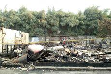 Masih Ada Garis Polisi, Puing Bangunan Sisa Kebakaran di Kembangan Belum Dibersihkan