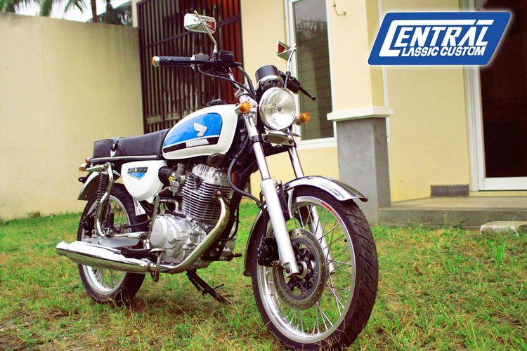 Modifikasi Honda Tiger bergaya CB-100 seperti yang dipakai tokoh Dilan di film DIlan 1990.