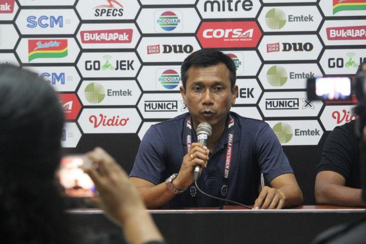 Pelatih Persita Tangerang Widodo C Putro saat konferensi pers usai dikalahkan Persela Lamongan 0-2 di Grup E Piala Presiden 2019 di Stadion Kanjuruhan, Kabupaten Malang, Senin (4/3/2019)