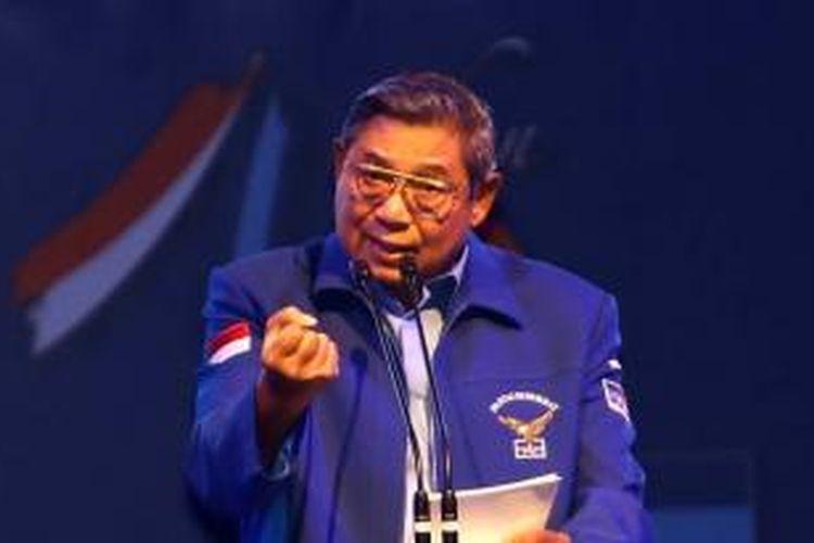 Ketua Umum Partai Demokrat Susilo Bambang Yudhoyono memberikan arahan saat acara Temu Kader dan Perayaan HUT Partai Demokrat di Sentul International Convention Center, Bogor, Jawa Barat, Sabtu (26/20/2013).