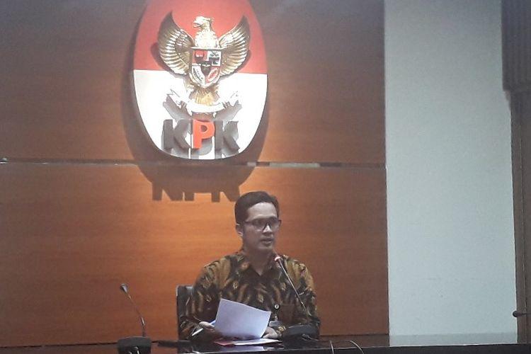 Juru Bicara KPK Febri Diansyah dalam konferensi pers penetapan Dirut PT INTI Darman Mappanggara sebagai tersangka kasus suap baggage handling system, Rabu (2/10/2019).