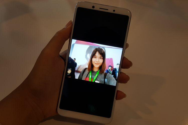 Hasil selfie dengan kamera depan 20 megapiksel dari Oppo F5, yang dilengkapi fitur AI Beautify Recognition.