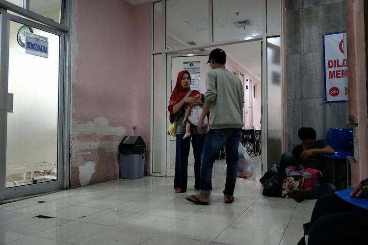 pintu depan ruang IGD RSUD Koja yang berada di lantai 2
