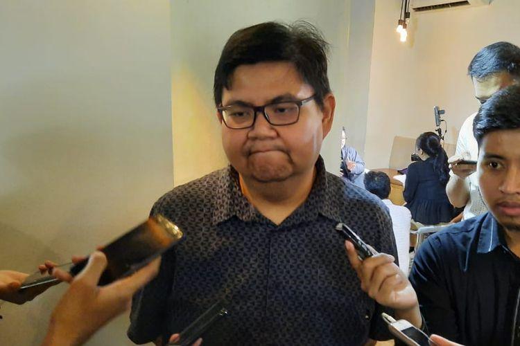 Public Relations Manager Oppo Indonesia, Aryo Meidianto saat diwawancarai wartawan, Senin (9/3/2020).