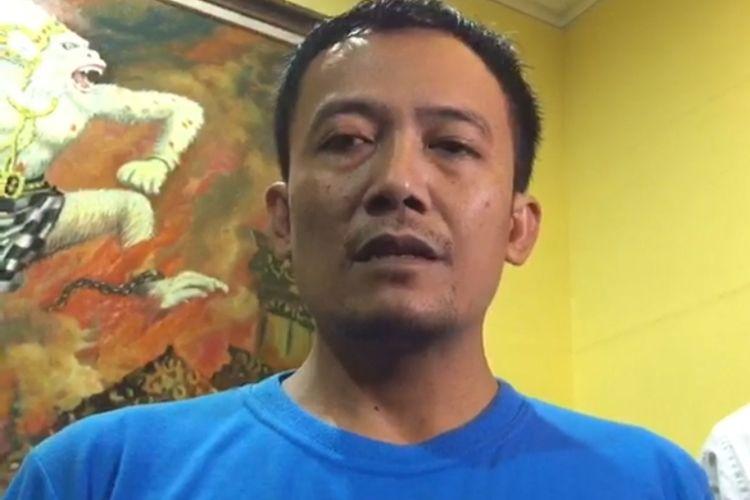 Raja Keraton Agung Sejagat saat memberikan permintaan maaf kepada khalayak di Mapolda Jateng, Selasa (21/01/2020)