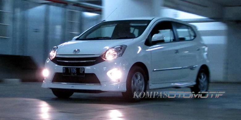 Banderol Agya, mobil murah Toyota mulai beranjak naik.