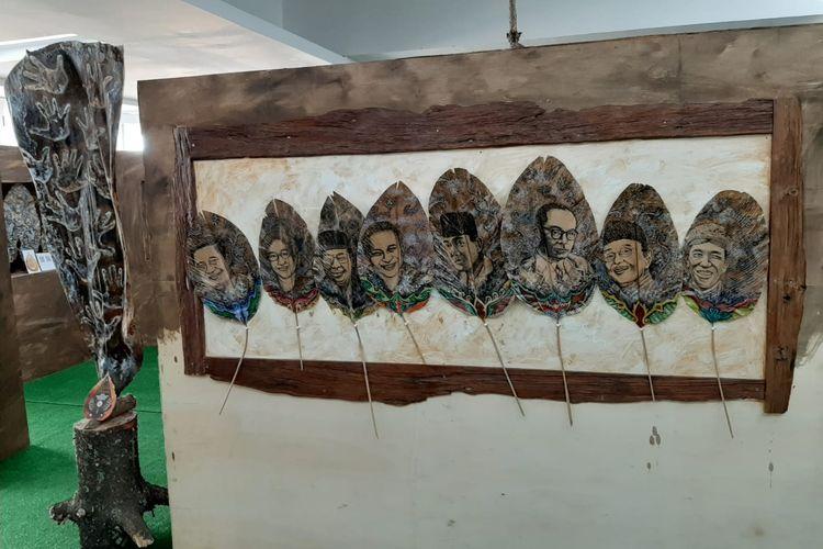 Karya seni wayang kulit bergambar mantan presiden dan wakil presiden Republik Indonesia serta Presiden Joko Widodo yang dipamerkan dalam Pekan Kebudayaan Nasional (PKN) dari tanggal 7 sampai 13 Oktober 2019 di Kompleks Istora Gelora Bung Karno, Jakarta.