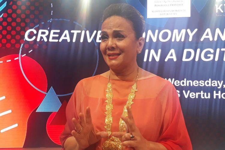 Christine Hakim diwawancara ketika hadir pada acara Creative Economy and Cultural Industries in a Digital World di Hotel Harris Vertu, Harmoni, Jakarta, Rabu (29/3/2017).