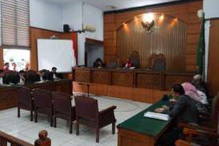 Pengadilan Negeri Jakarta Selatan menggelar sidang putusan permohonan praperadilan yang diajukan oleh Gubernur Sulawesi Tenggara Nur Alam, Rabu (12/10/2016).