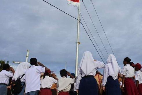 Cerita Warga Kepulauan Aru, Kibarkan Bendera Merah Putih di Tiang Listrik