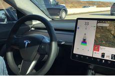 Deddy Corbuzier Rasakan Sensasi Mobil Listrik Tesla Model 3, Seperti Nyetir Smartphone
