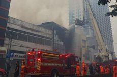 Ruko 4 Lantai di Glodok Dilanda Kebakaran