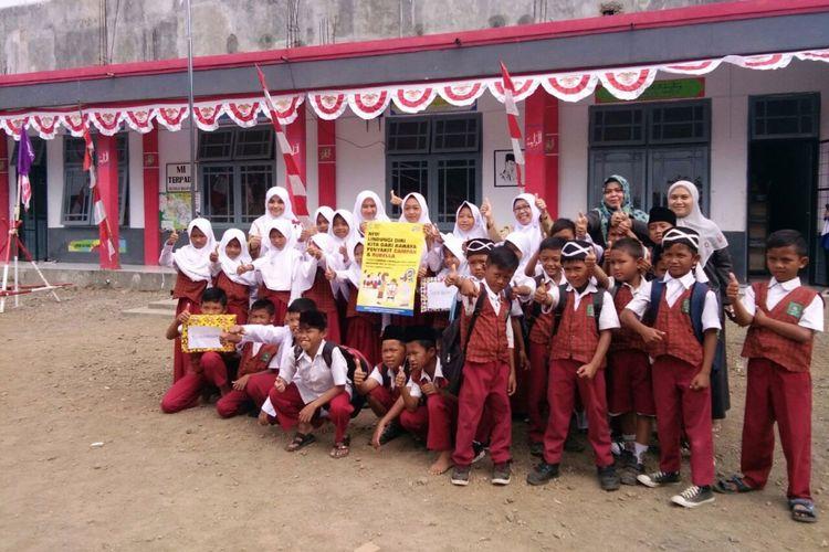 Siswa MI terpadu Cintaraja, Kabupaten Tasikmalaya, Jawa Barat.