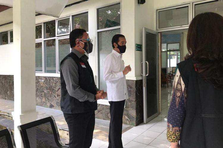 Presiden Joko Widodo meninjau simulasi uji vaksinasi Covid-19 di Puskesmas Tanah Sareal, Kota Bogor, Rabu (18/11/2020).