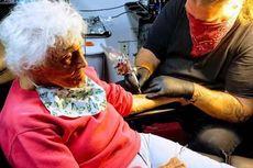 Rayakan Ultah Ke-103 Tahun, Nenek Ini Bikin Tato Pertamanya